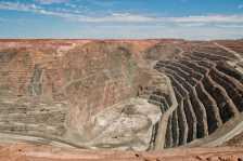 Super Pit Gold Mine (Photo by: Graeme Churchard - Flickr)