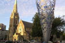 Christchurch Square (Photo by: Mr. Tickle  -Wikimedia Commons)