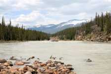 Athabasca River, Alberta (Photo by: Katie - Flickr)